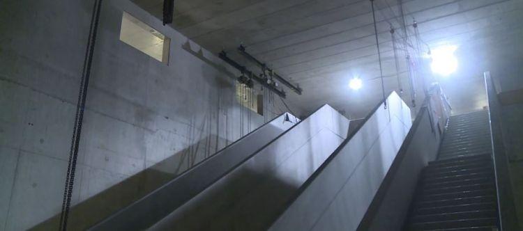 Station Colombier - Novembre 2017 - Livraison des escaliers mécaniques