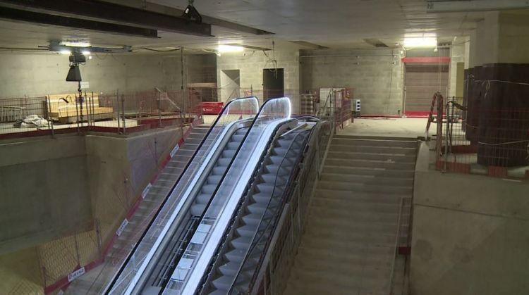 Station Sainte-Anne - Septembre 2018 - Installation des escaliers mécaniques