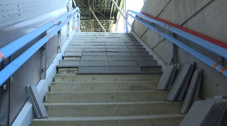 Station La Courrouze - Février 2019 - Dallage des escaliers