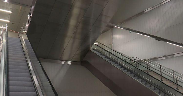 Station Gares - Décembre 2020 - Réglages des escaliers mécaniques et des portillons
