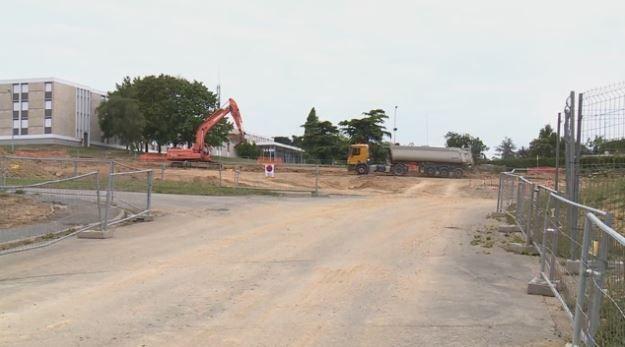 Station Beaulieu-Université - Juillet 2014 - Aménagement des parkings du CROUS